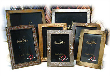 Everyday photo frames with swivel easel backs for vertical or horizontal pictures